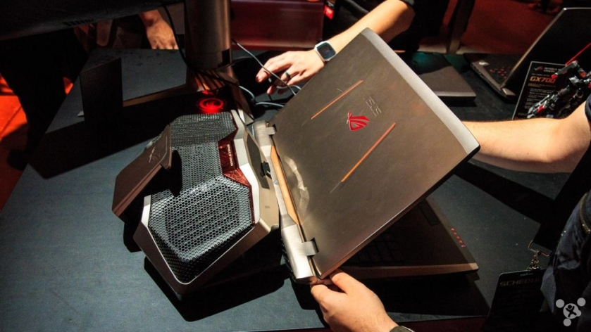 Most crazy idea ASUS GX700 water-cooled gaming laptop review
