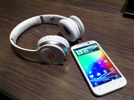 Smart phone should be equipped with high-end speakers